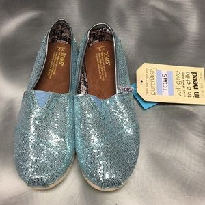 brand new sparkly toms